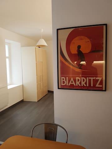 studio en centre ville - Biarritz - Apartamento