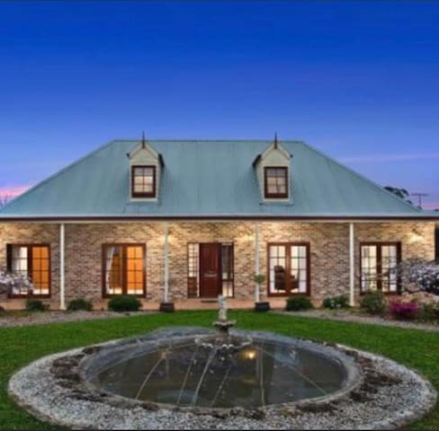 Werri Berri Estate - Farm B&B  Just 1.15hr Syd CBD