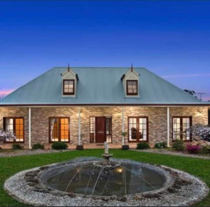 Werri Berri Estate - Farm B&B  Just 1.15hr Syd CBD