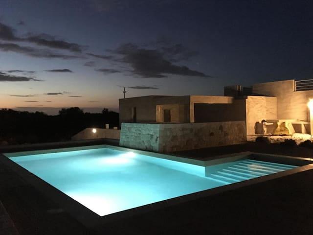 villa pietra pool