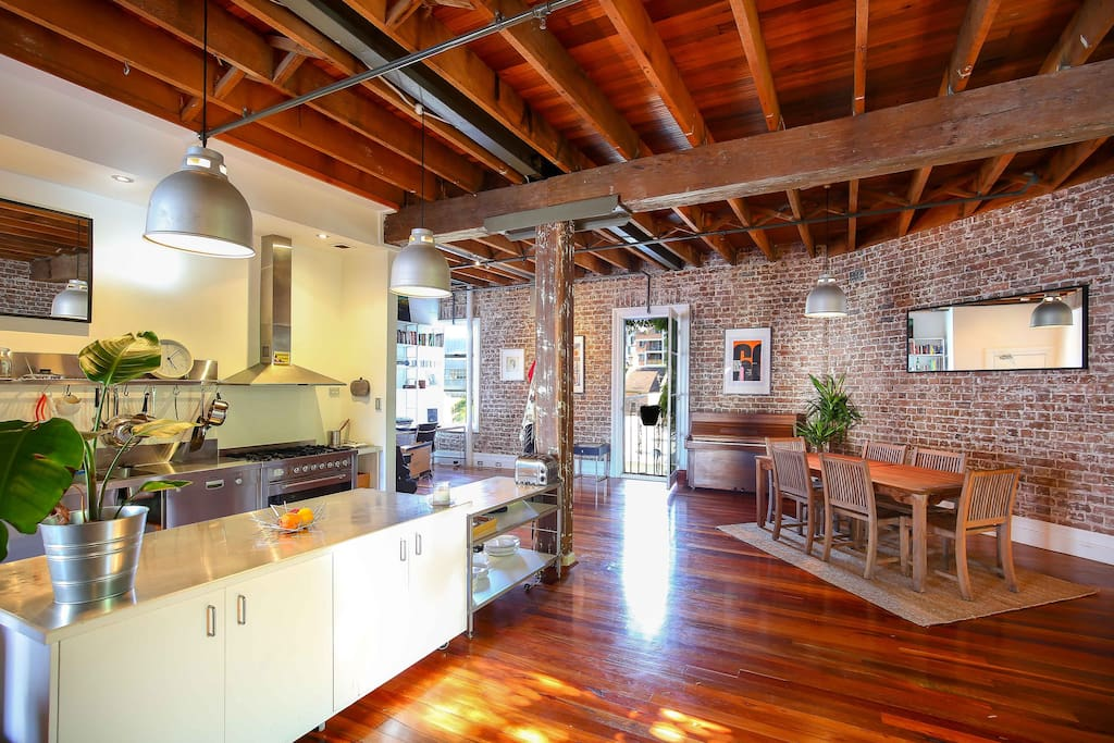 Sydney centre loft new york style flats for rent in for Loft new york affitto