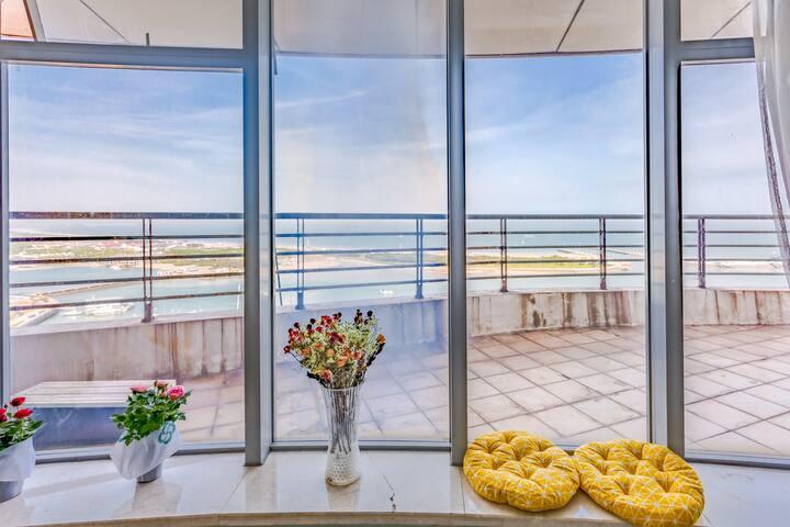 世纪之帆万平口灯塔,超大露台高层270度海景房,两房四到五人可做饭民宿!茶具、咖啡机一应具全亲子聚会