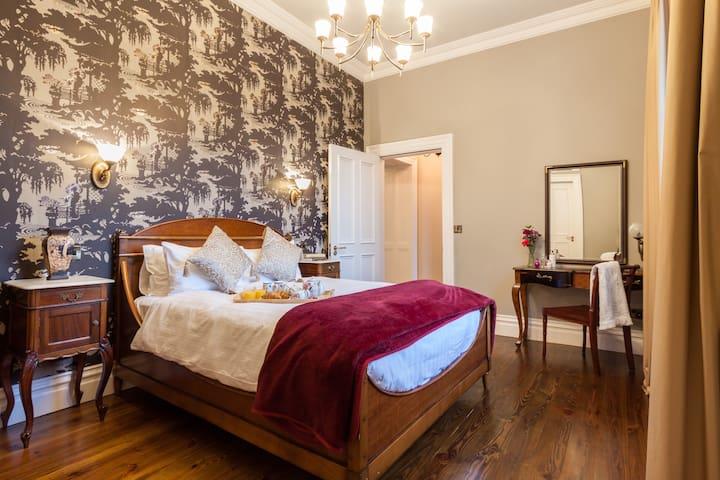 Furlong Suite Bedroom