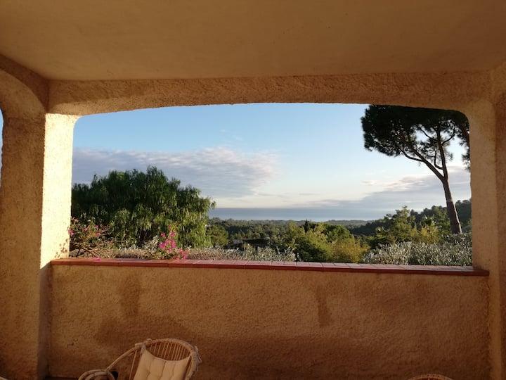 Villa vue mer Côte Varoise proche St Tropez