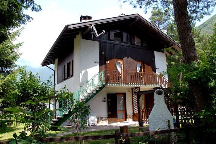 Appartamento Pippi 4/B con giardino zona lago - Val Maria-pur - Appartement
