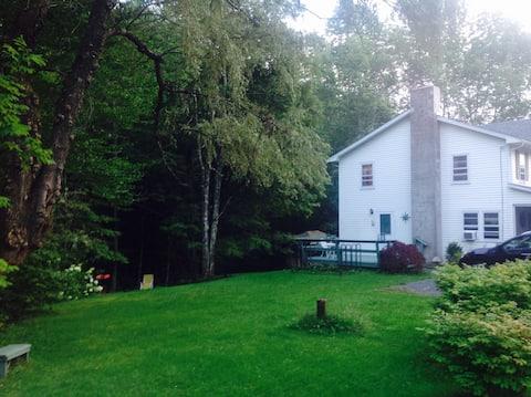 Roseland, Streamside 1865 house.  Near slopes !