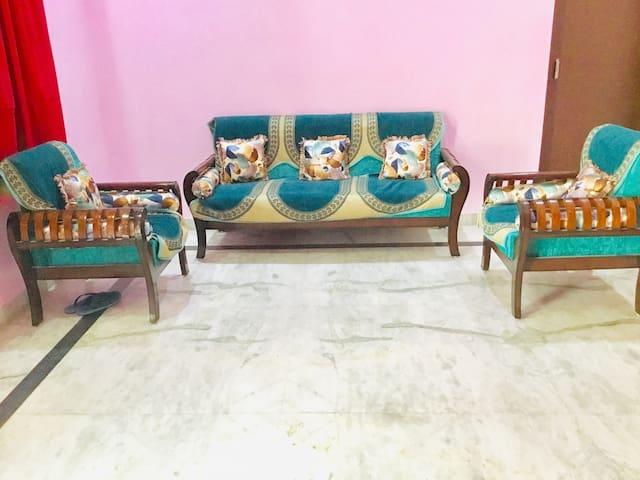 Chandan 1 Bedroom @Sainik Colony Faridabad