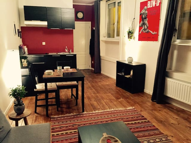 First floor apartment in Barrière/Parvis St Gilles