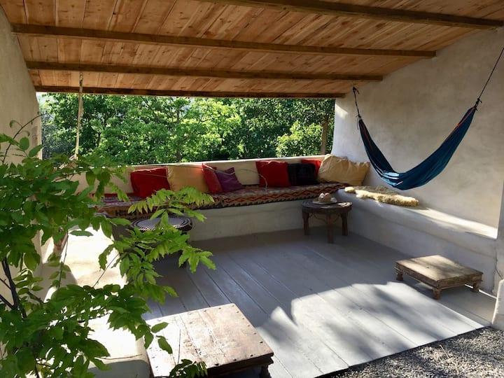 Large Artist House/Garden, Sauna & Splash Pool