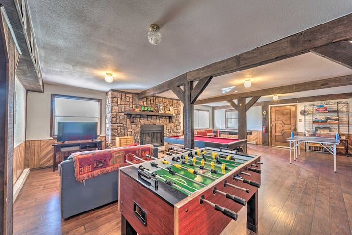 Updated 'Big Chill' w/ Game Room, Deck & MTN Views