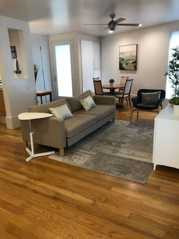 ★ Modern Spacious Guest Suite in Central Austin ★