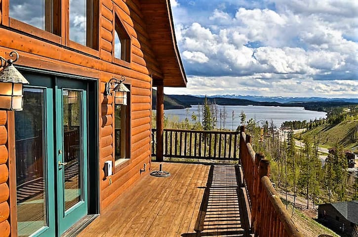 Amazing views of Shadow Mnt/Lake, 3Br/2Ba cabin
