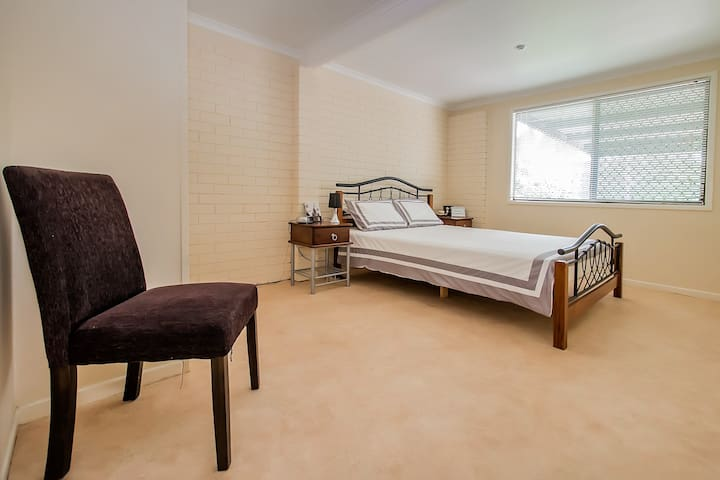 2 Bed Ideal Workers Retreat Free NBN