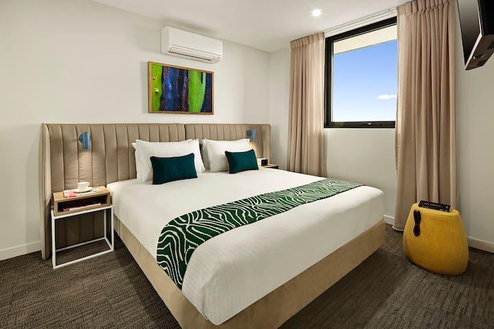 2 bedrooms in heart of Dandenong