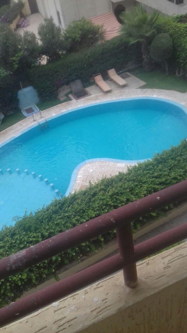 Magnifique duplex meublé, piscine et espace vert
