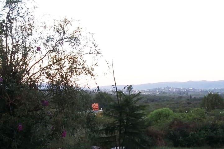 Casa anexada con hermosa vista , cerca de comuna y rio