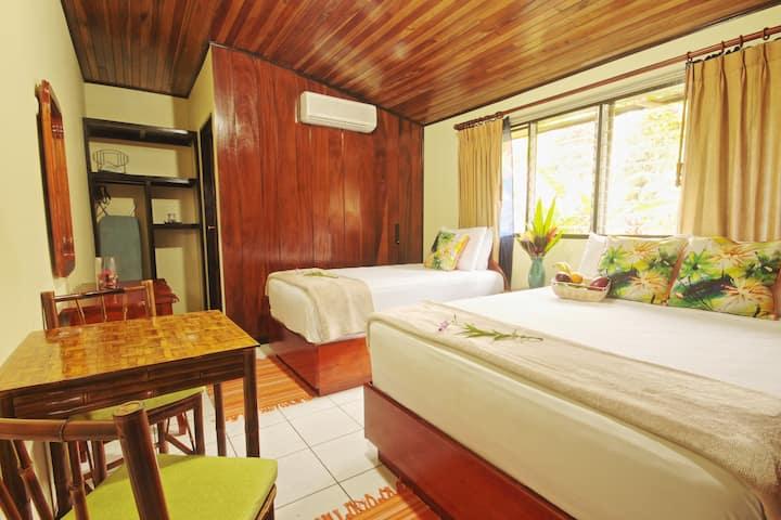 GreenLagoon Standard Room