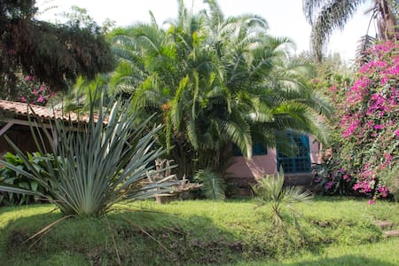 Gisenyi beach house with private sand beach - Gisenyi - Appartement