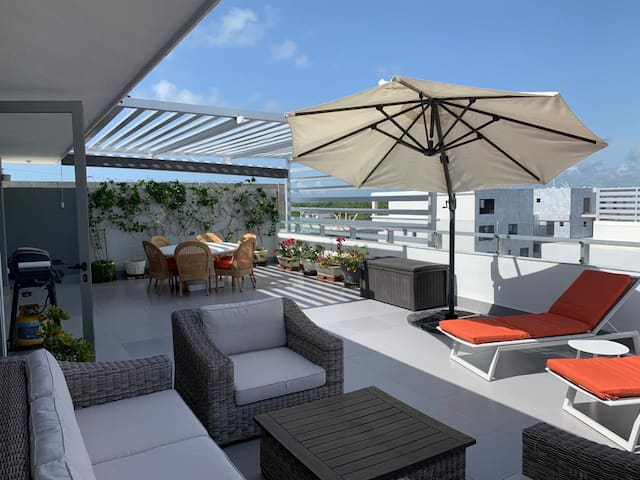 Penthouse with pool, Maid And Playa Blanca Access