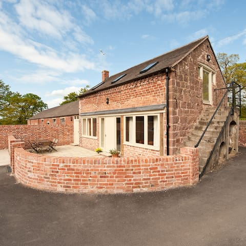 Grove Farm Cottage - converted barn - Shrewsbury - Ev