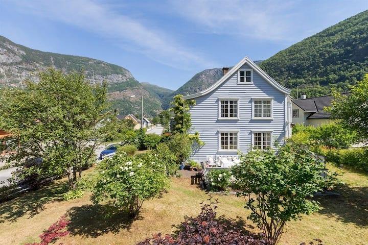 Lærdalsøyri Airbnb - upper floor