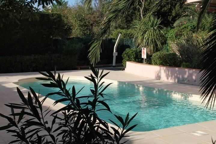 T4 HAUT DE GAMME CENTRE VILLE PROCHE PLAGE - Sainte-Maxime - Apto. en complejo residencial