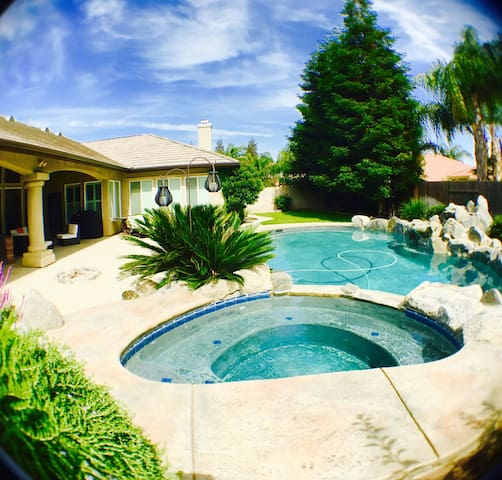 Gated 5️GardenView WIFI/AppleTV/Pool/Wash&Dry - Bakersfield - Rumah