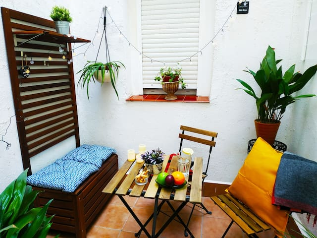 Cozy flat by Madrid Rio with courtyard 4Pax