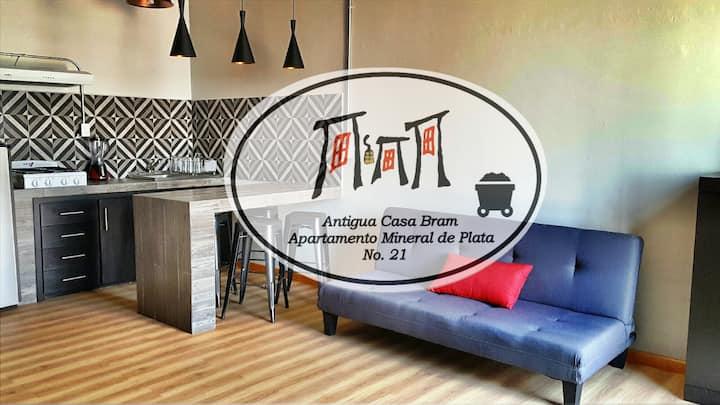 Antigua Casa Bram / Studio Mineral de Plata