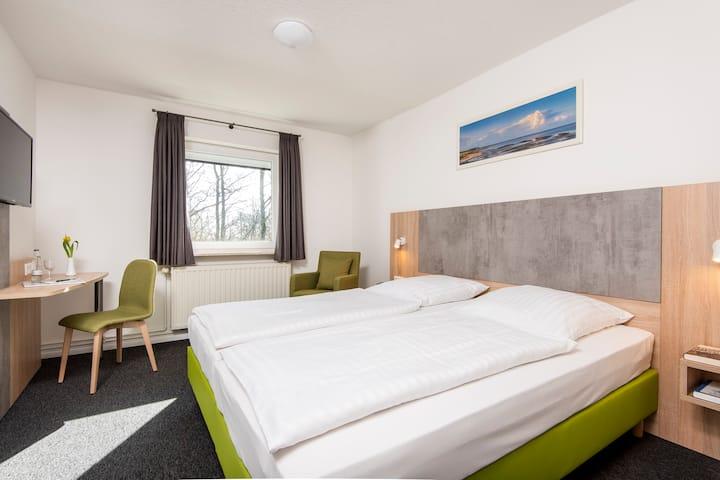 Gemütliches Doppelzimmer mit eigenem Duschbad