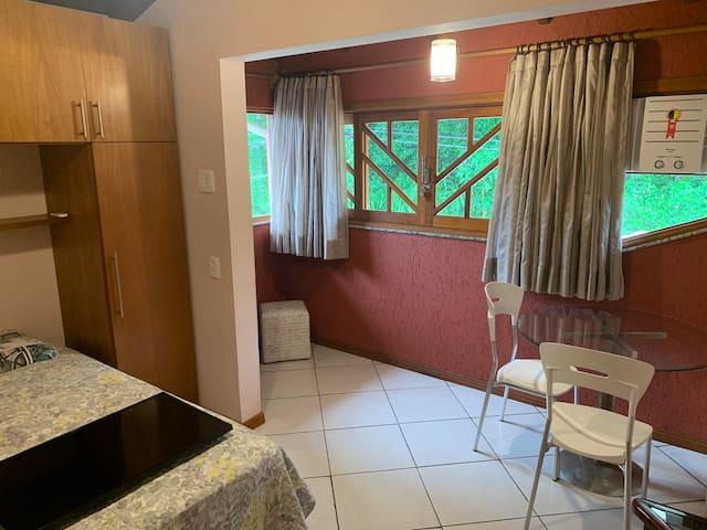 Quarto 3 - com cama de casal, armários, TV e ar condicionado