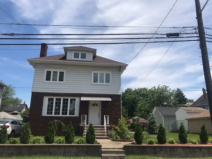 Clifton 2nd floor 2 bedroom apt. 30 minutes to NYC