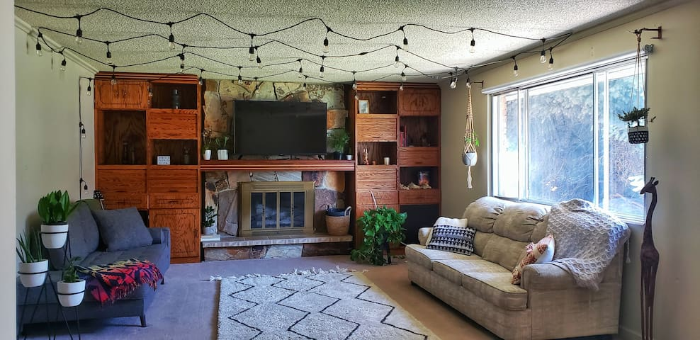 Spacious home by airport/downtown/freeways/trail.