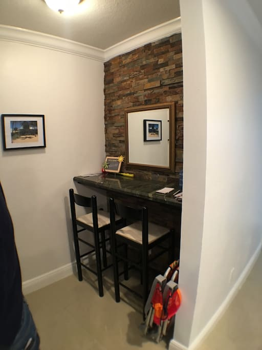 This is a great place to plug in the laptop and get organized as you make a grand entrance into your tropical suite...