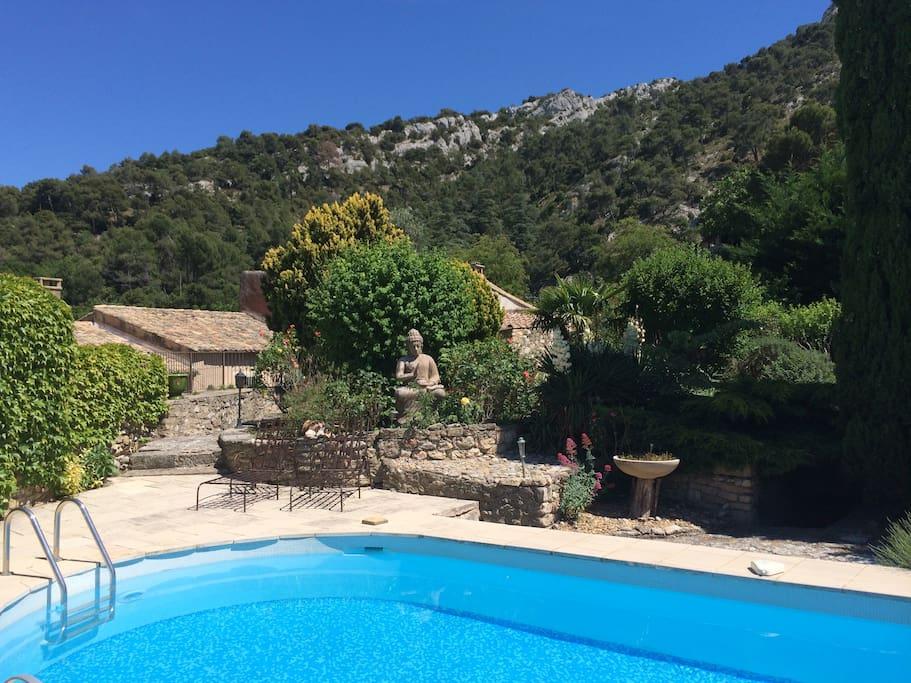 Villa avec piscine luberon maisons louer robion for Piscine 2 alpes
