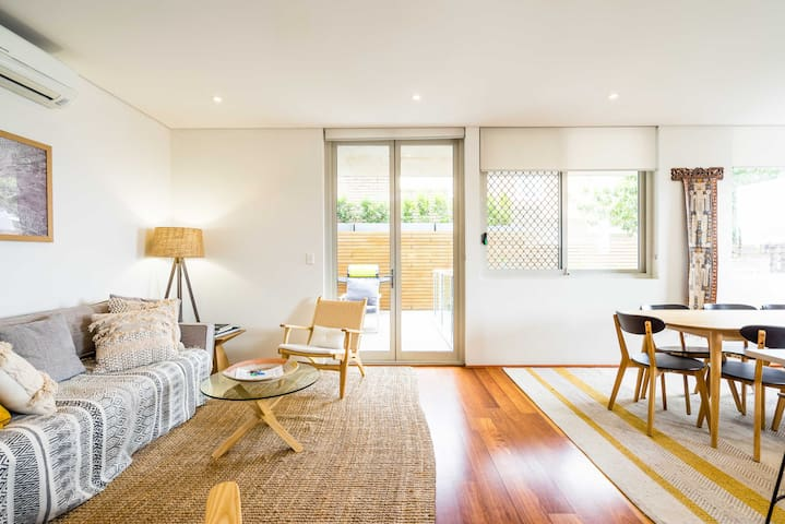 Stylish, Spacious Getaway near Bondi Beach
