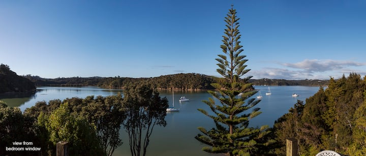 Bay Cottage - Waterfront, Te Wahapu Bay, Russell