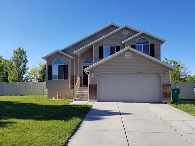 Perfect Home For Your Utah Visit!!