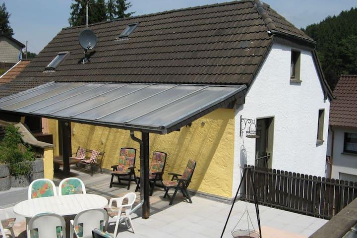 Vakantiehuis in prachtige omgeving - Hellenthal - House