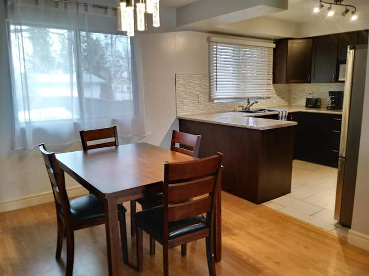 5 bed House Fully Furnished for Short of Long Term