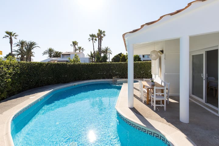 Air-Conditioned Holiday Home on the Beach with Pool, Terraces & Wi-Fi; Parking Available