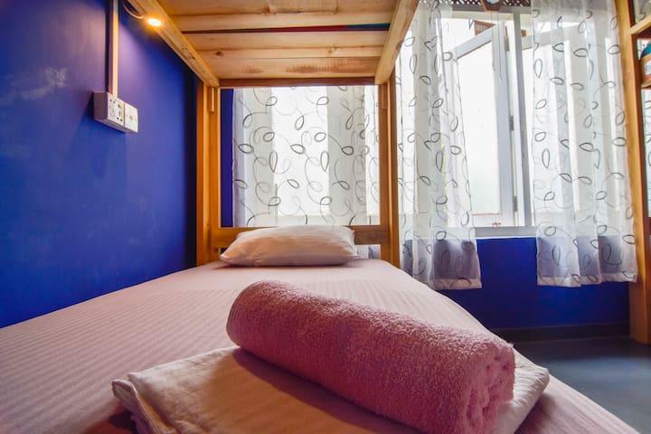 Cozy Dorm in Jay's Bunks-Kandy Hostel