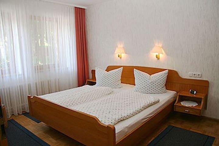 Pappelhof, (Bad Bellingen), Ferienwohnung 1, 52qm, 1 Schlafzimmer, max. 4 Personen