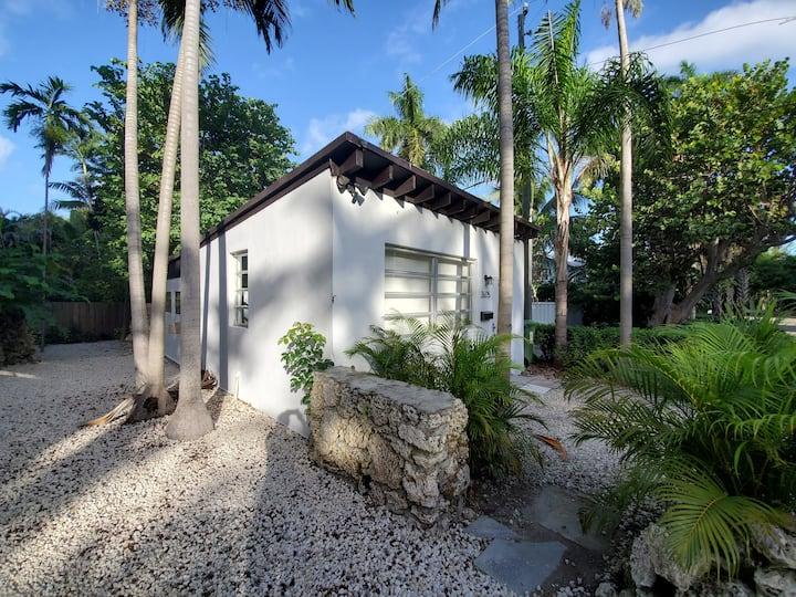 Coconut Grove - Remodeled Artist Studio