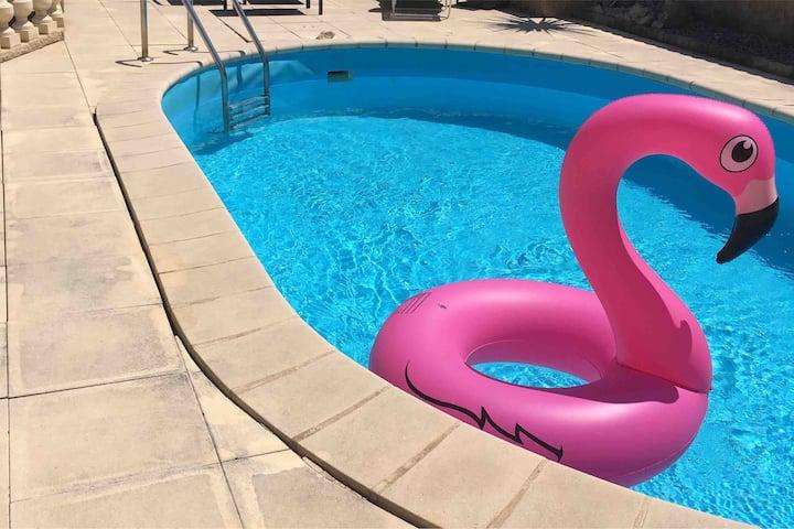 Maison avec piscine et bbq,  À 5mn d'Avignon