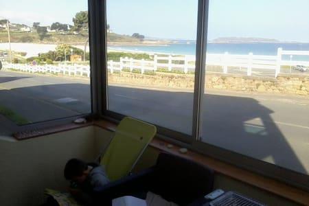 Appartement avec grande véranda et vue sur mer - Trévou-Tréguignec