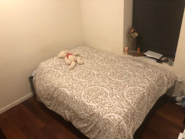 Cozy room in Manhattan, 20min from Midtown train 1