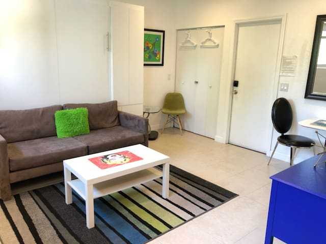 Studio in Las Olas near Fort Lauderdale Beach