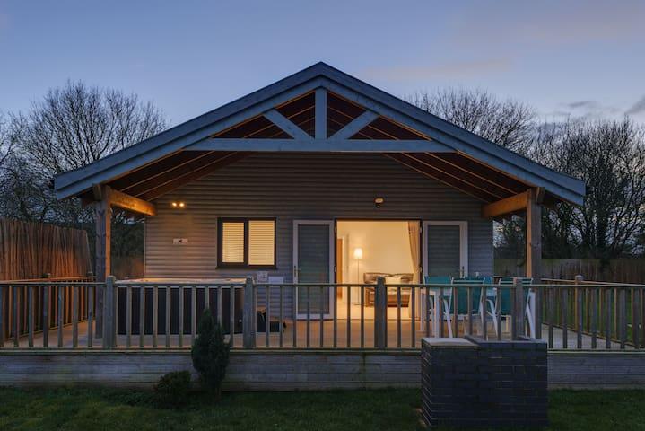 Woodpecker Lodge, Redlake Farm