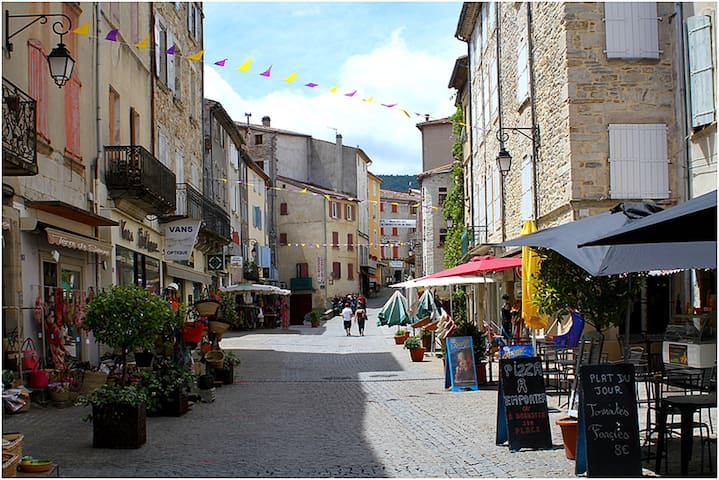 Duplex clair soleil ds coin calme LES VANS Ardèche